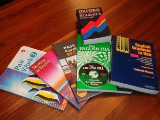 school books 99476 640 thumb
